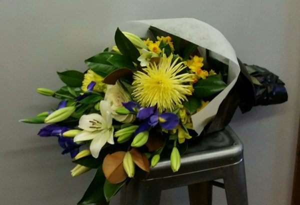 Golden Point flower delivery